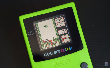 Un gamer fabrique la Game Boy Color de vos rêves